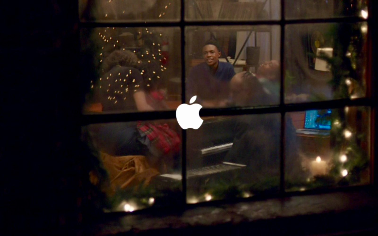 apple shares someday at christmas ad starring stevie wonder andra day - Day After Christmas Ads