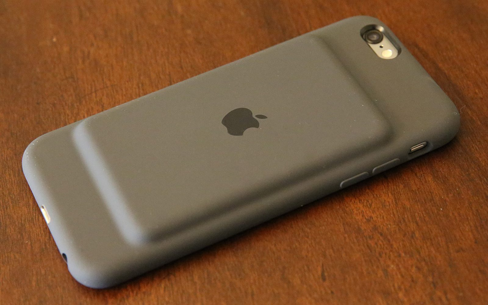 the latest 1816c 9587e Review: Weak battery aside, Apple's iPhone 6s Smart Battery Case isn ...
