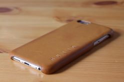 Mujjo Leather Case on an iPhone 6 (bottom angled view)
