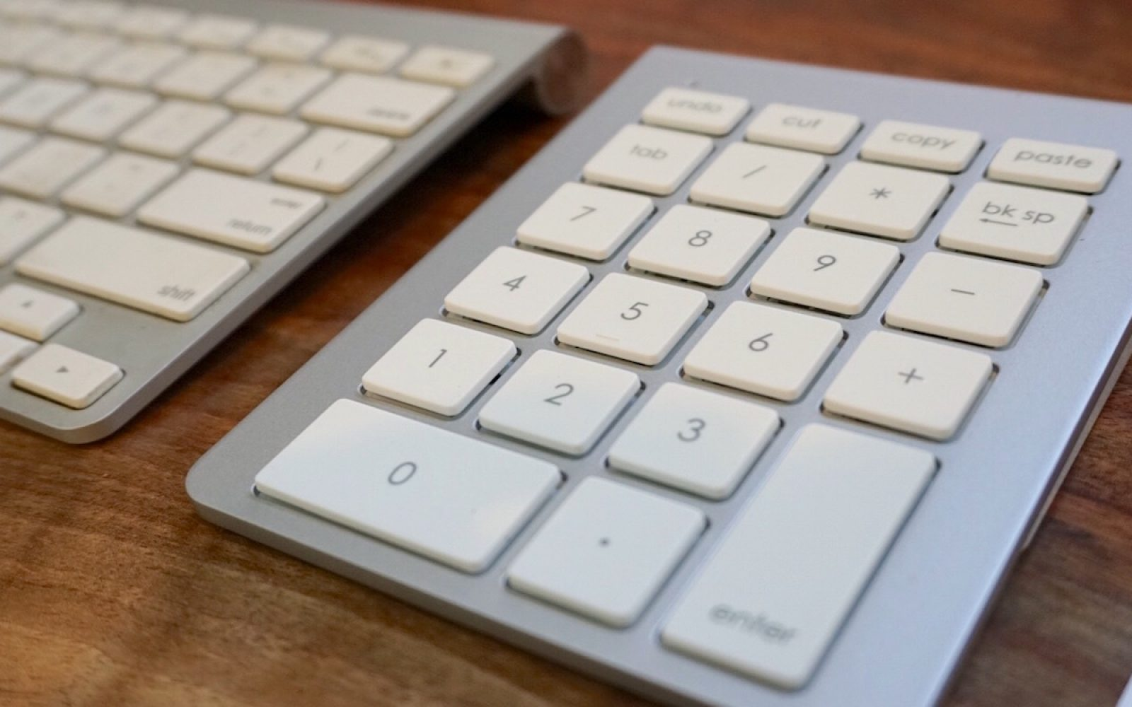 517ba0e6967 Review: Apple's Bluetooth keyboard becomes full-size w/ Satechi's wireless  aluminum keypad