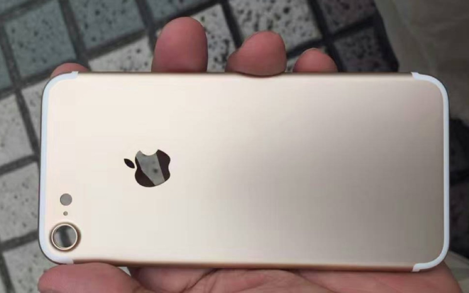 Latest iPhone 7 photo leak provides best look yet at new antenna lines design and larger protruding camera