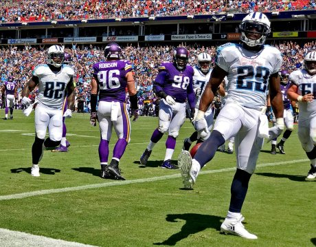 2016-0911-tennessee-titans-minnesota-vikings-game-iphone-7-plus-si537_tk1_02744