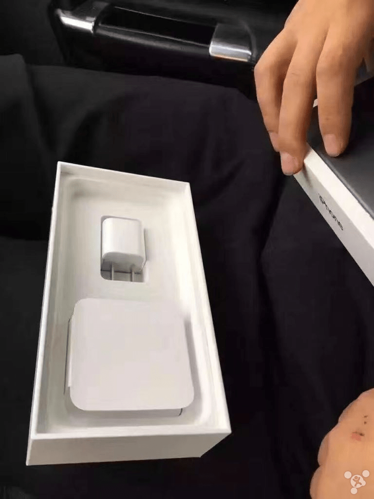 Black And Jet Black Iphone 7 Models Get First Unboxing In The Wild