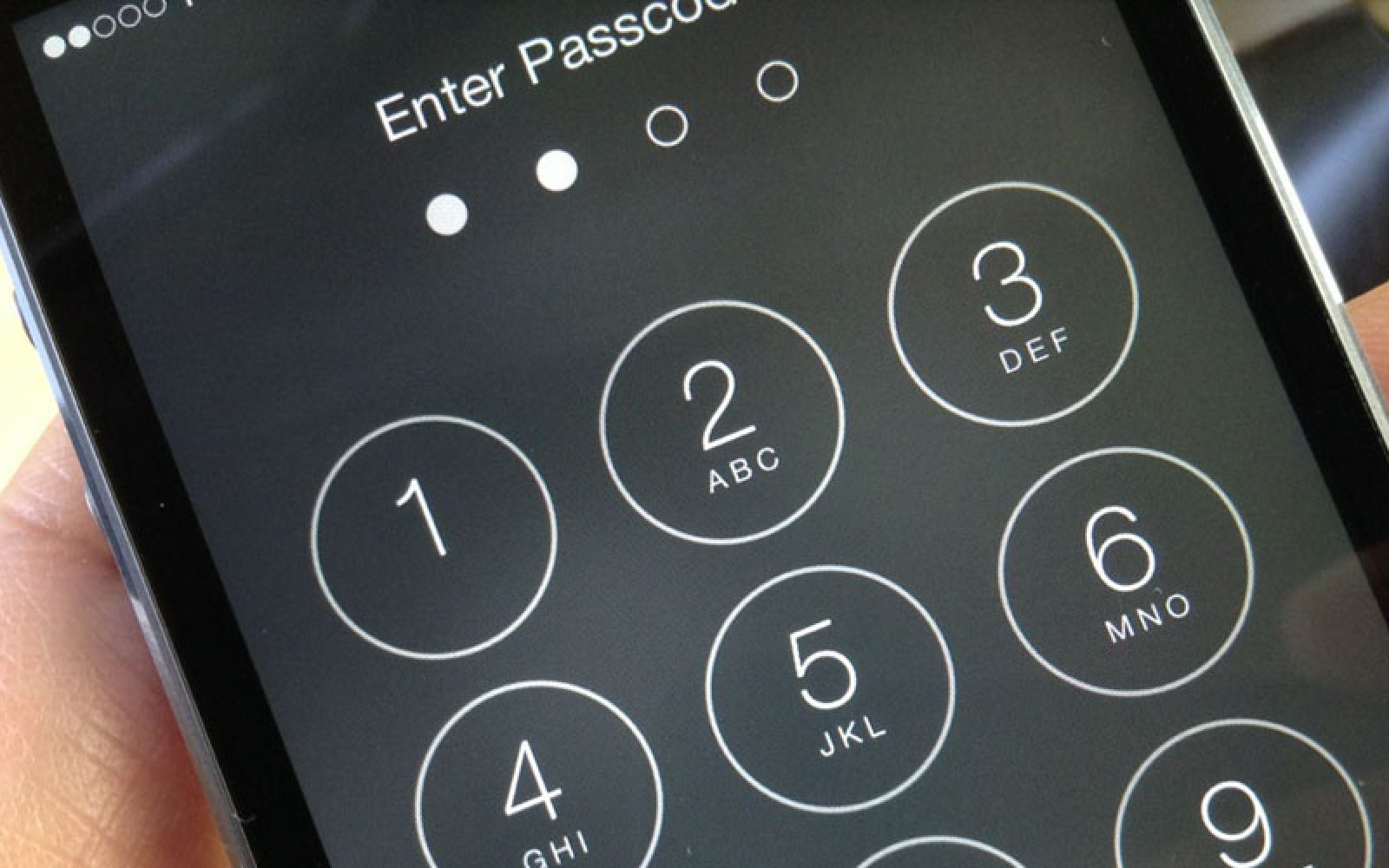 Florida court rules that suspect must supply the passcode to unlock
