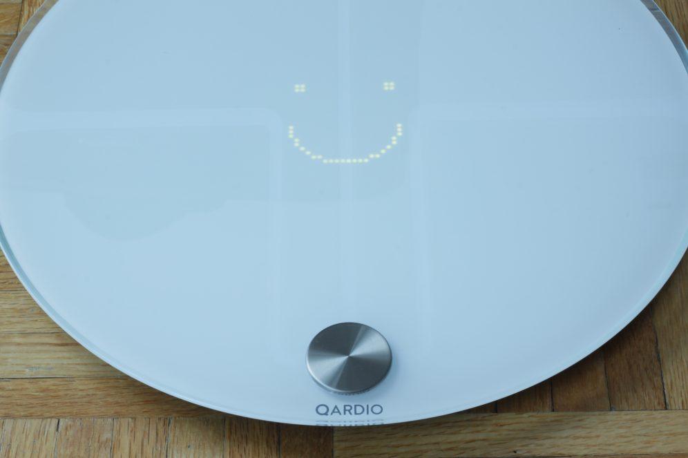 QardioBase's LED with Smart Feedback mode enabled