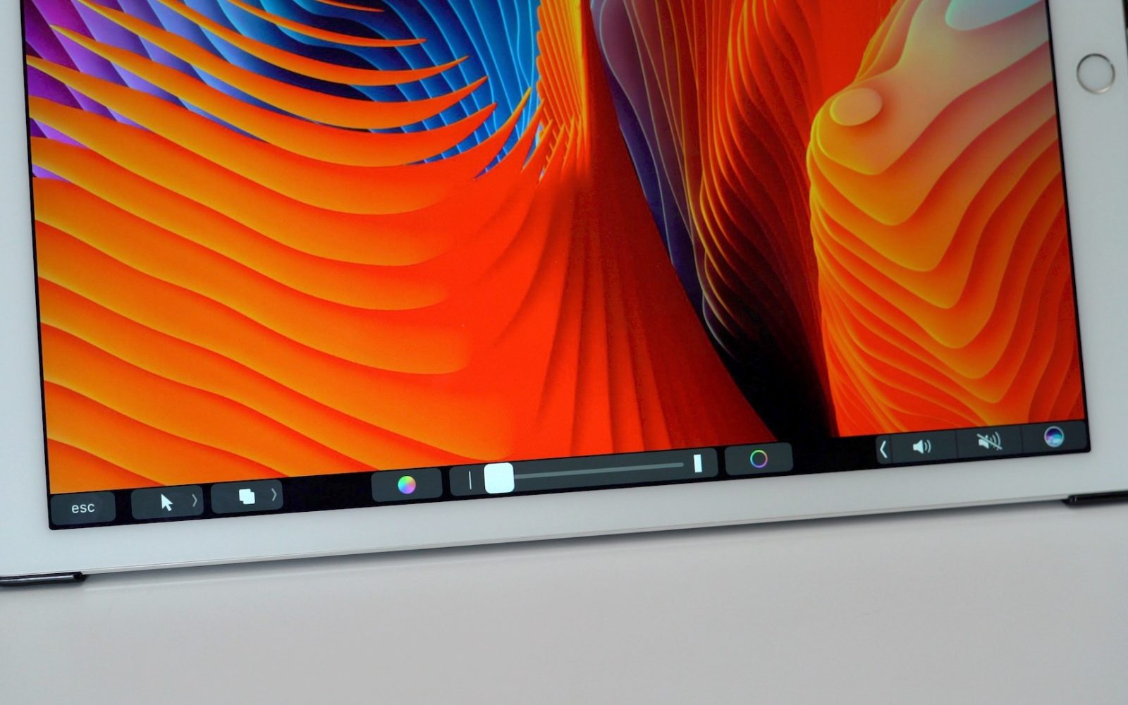 How to use an iPad as an external display and Touch Bar for your Mac [Video]