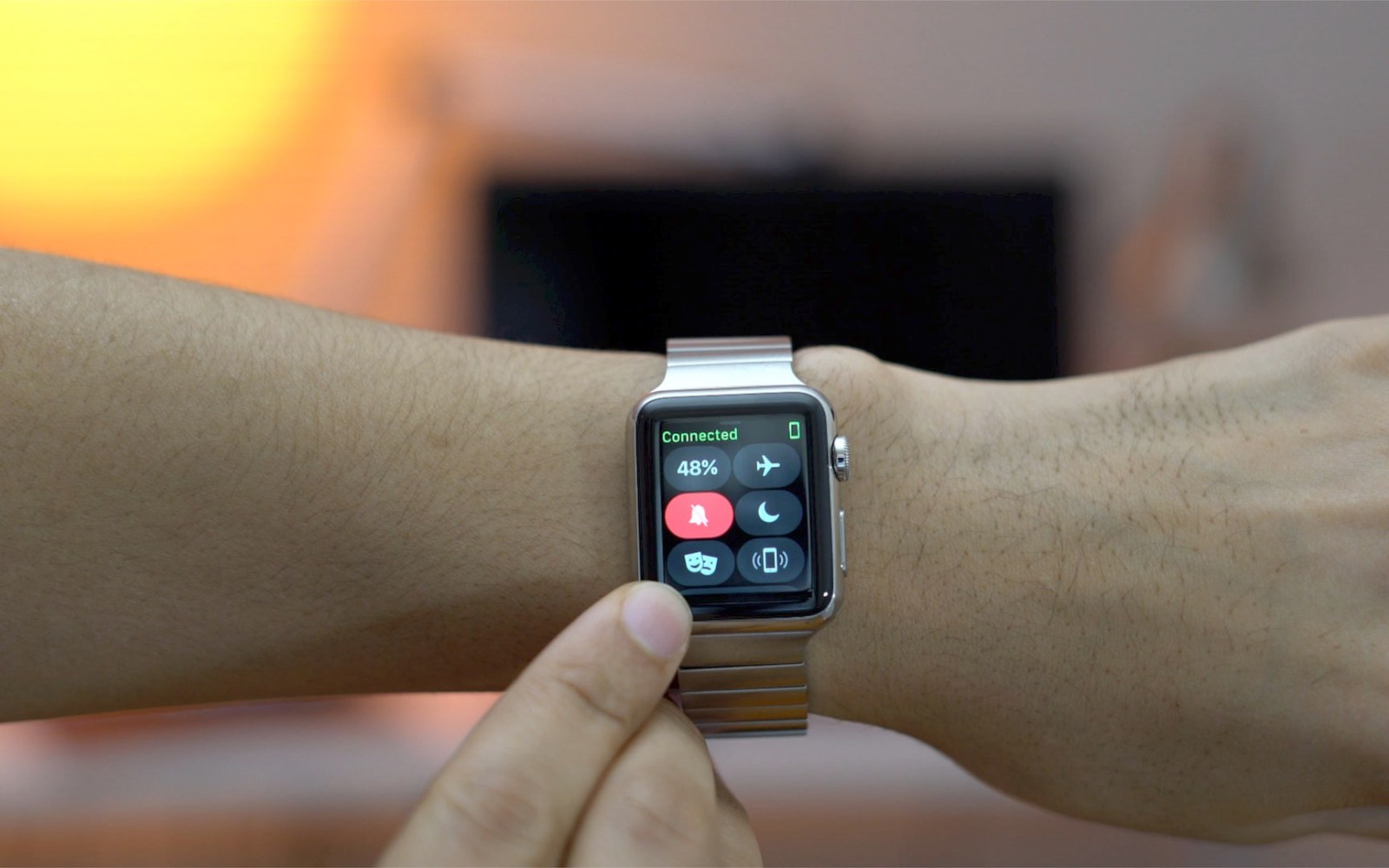 watchOS 3.2 with Theater Mode and SiriKit for Apple Watch is now available