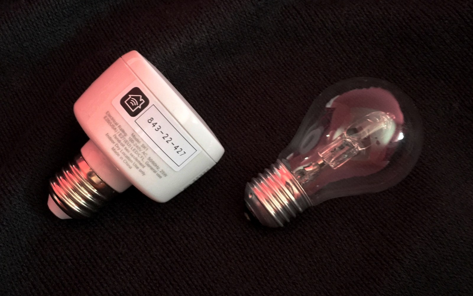 Review: Koogeek Smart Socket adapts your existing bulbs to work with HomeKit & Siri voice control