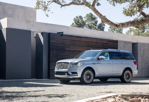 Apple S Carplay Comes Standard In New 2018 Lincoln Navigator 9to5mac