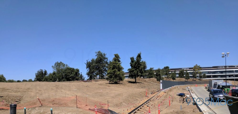 Apple-Park-Campus-2-June-landscaping-020