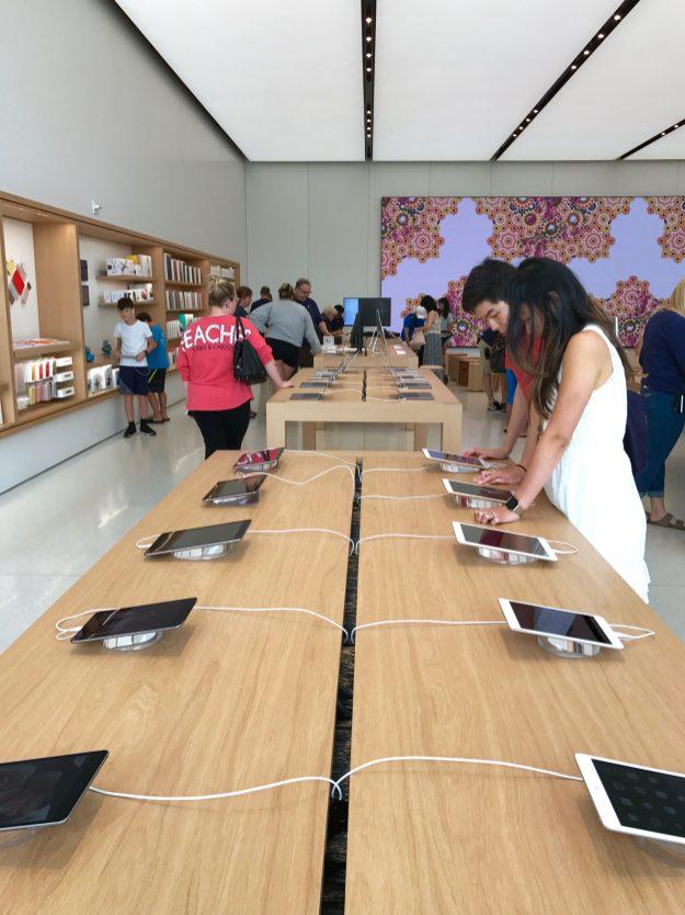 iPad Tables