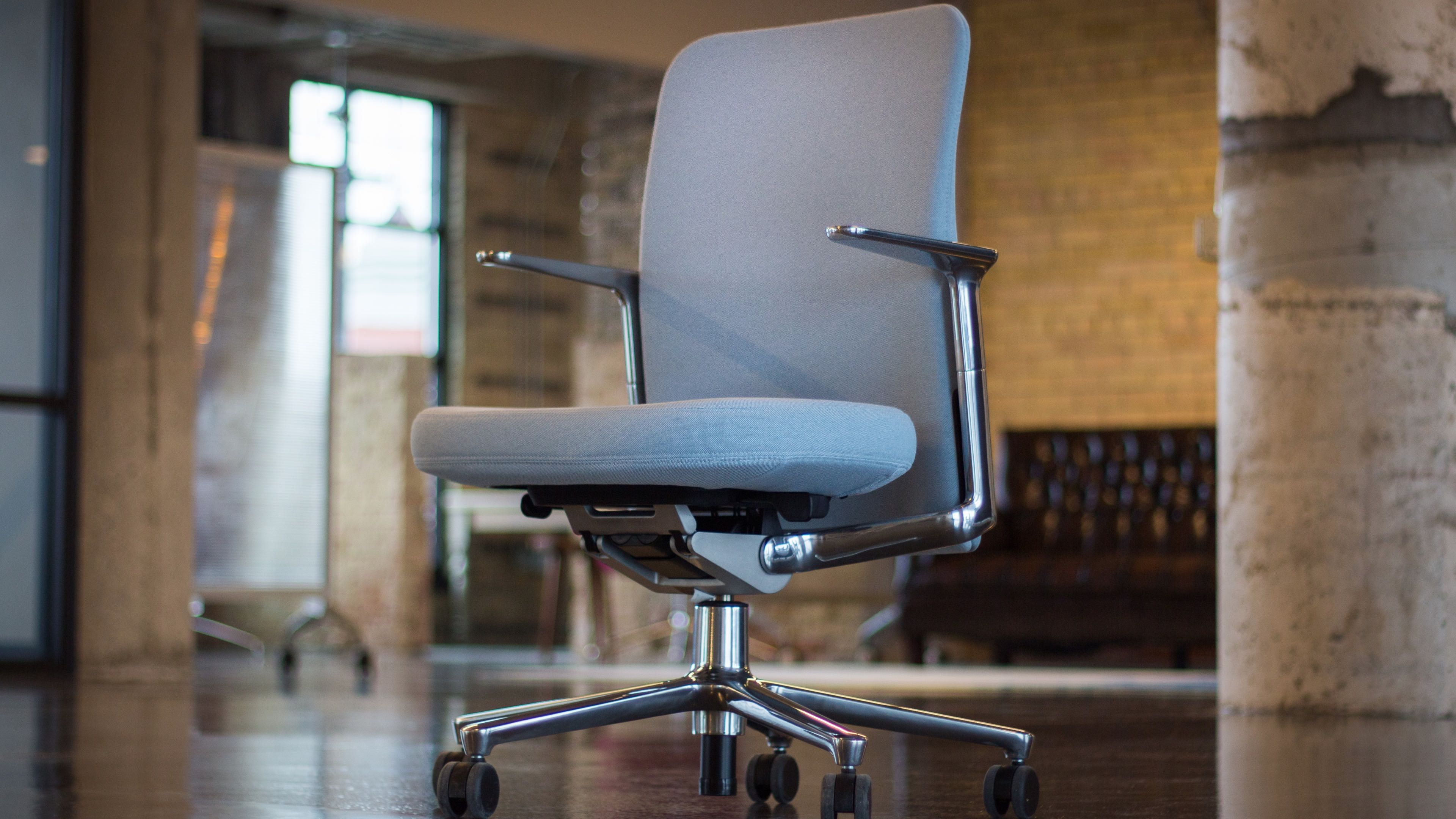 vitra ergonomic chair roman training review living with s pacific jony ive choice for apple park