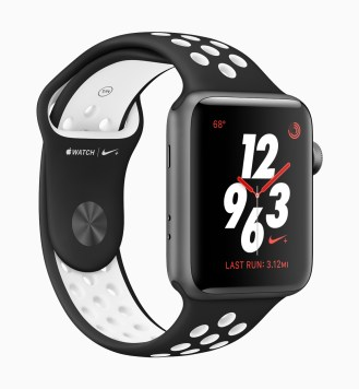 apple_watch_series3_nike_sports_band_black_032118