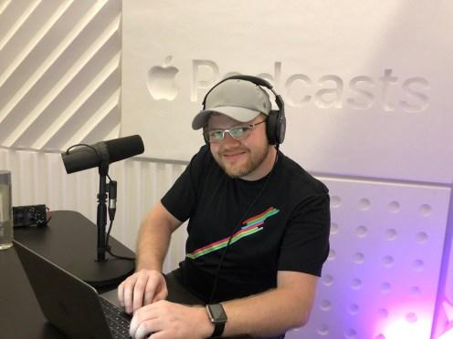 Apple-podcast-studio-08