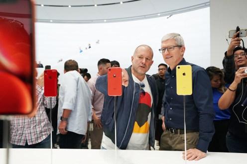 Apple-keynote-Tim-Cook-and-Jony-Ive-iPhone-XR-09122018
