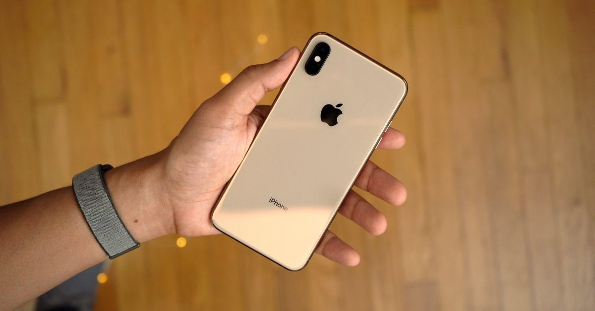 https://9to5mac.com/wp-content/uploads/sites/6/2018/09/iPhone-XS-Max-Gold1.jpg
