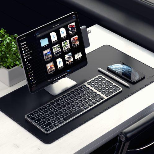 satechi-compact-bluetooth-backlit-keyboard-ipad