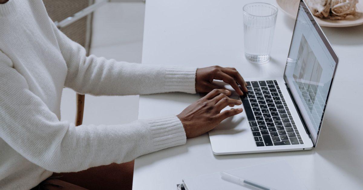 Titanium MacBook, iPhone and iPad described in Apple patent - 9to5Mac