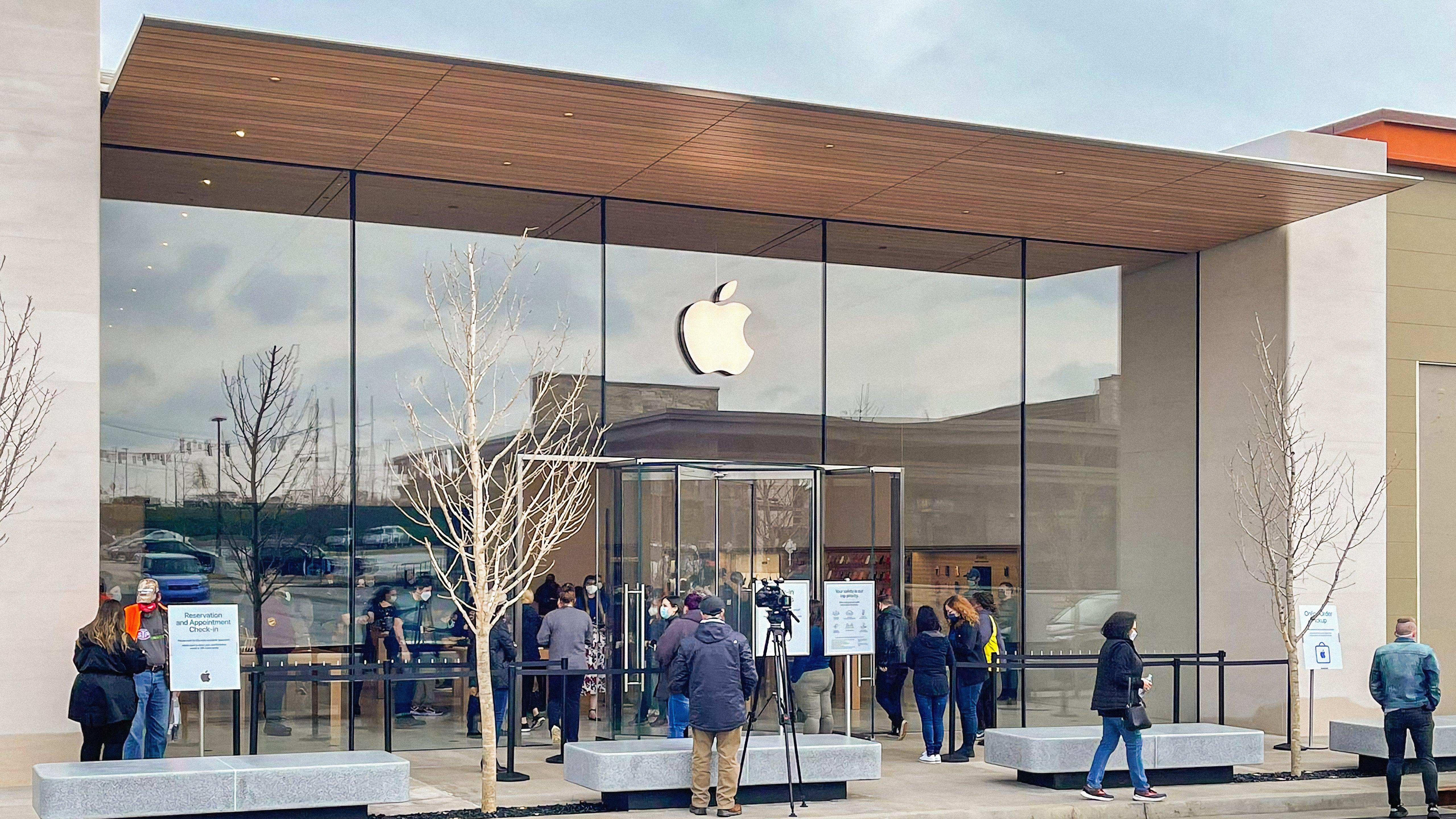 9to5mac.com - Photos: Apple Fritz Farm opens in Lexington, Kentucky