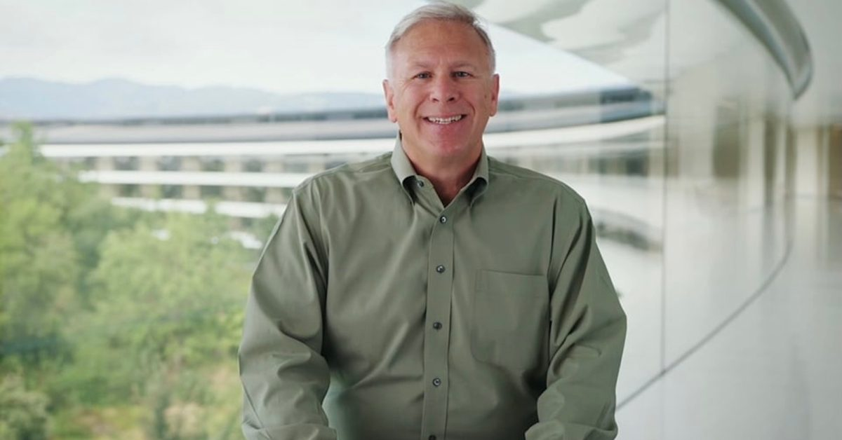 photo of Phil Schiller talks electric cars, the iPod, and more during interview with Lamborghini [Video] image