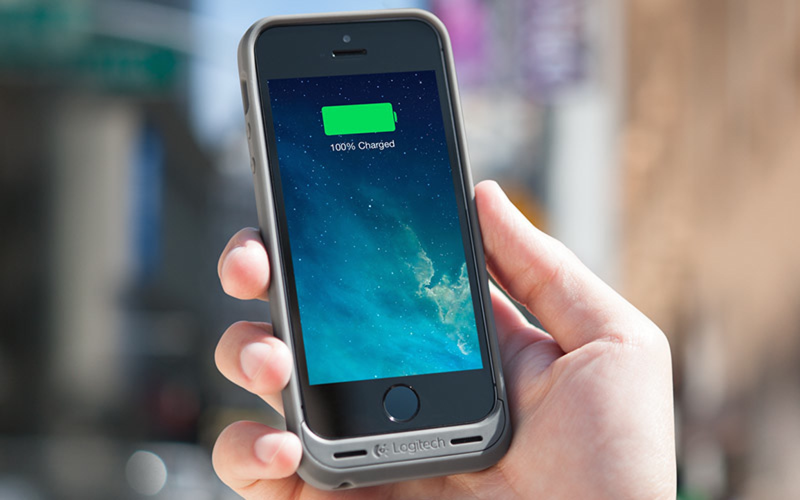 Logitech's new iPhone/Galaxy S5 battery cases offer easy magnetic mounting and military-grade protection