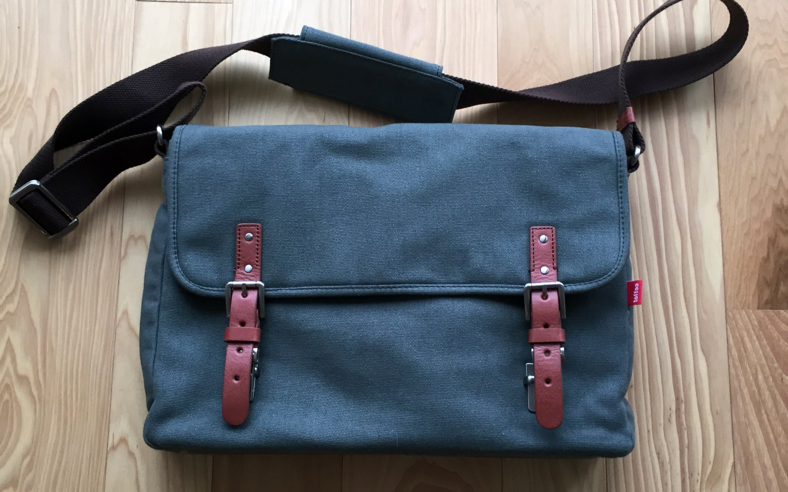 Review: Toffee's Fitzroy Satchel is a solid gift for thoughtful commuters