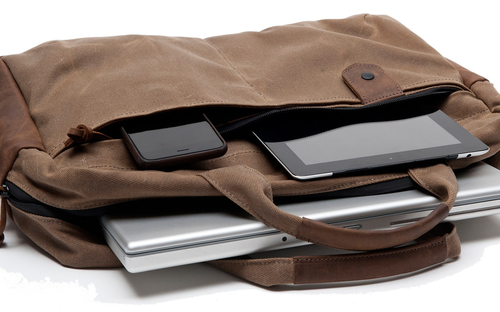 WaterField Designs has a spot for all of your tech in its new Made in America Bolt Briefcase