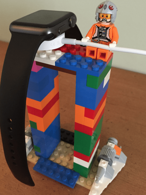 apple-watch-stand-lego-2