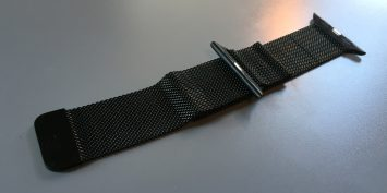 black-milanese-loop-band