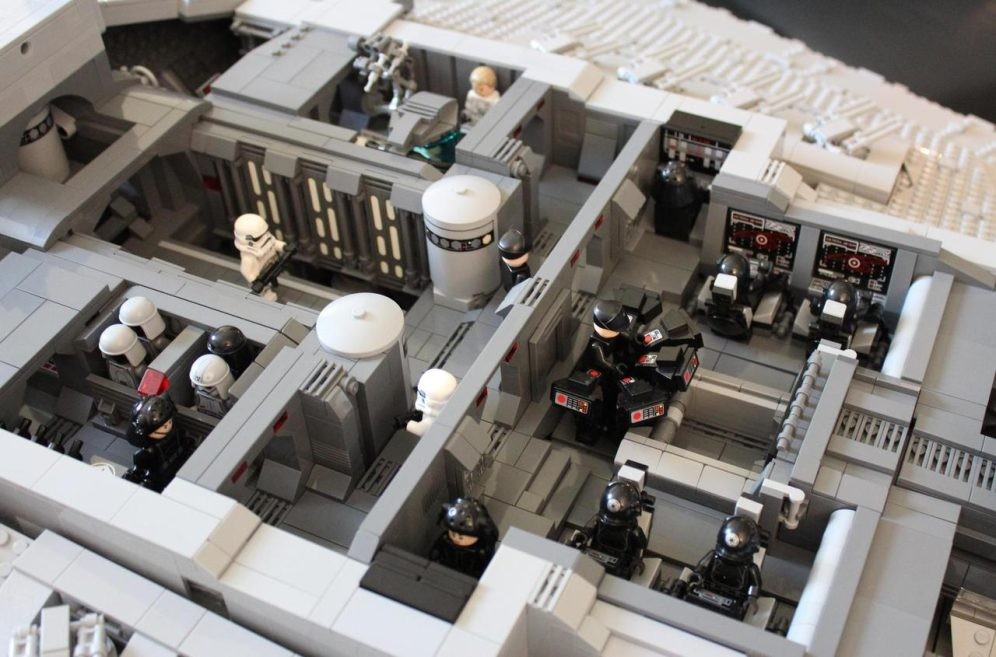 Imperial Star Destroyer-LEGO-02-10