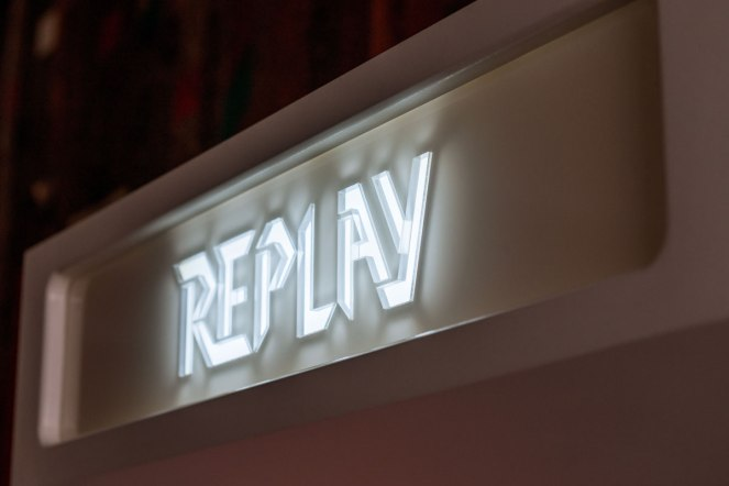 replay-arcade-cabinets-1