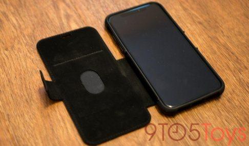 UAG-Metropolis-iPhone-X-Open