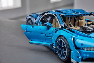 lego-technic-Bugatti-Chiron-11