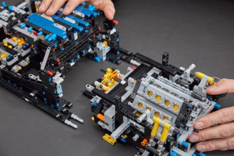 lego-technic-Bugatti-Chiron-15