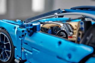 lego-technic-Bugatti-Chiron-9