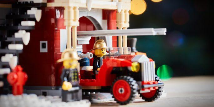 lego-Winter-village-Fire-Station-4