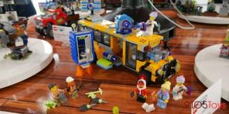 LEGO Hidden Side Bus