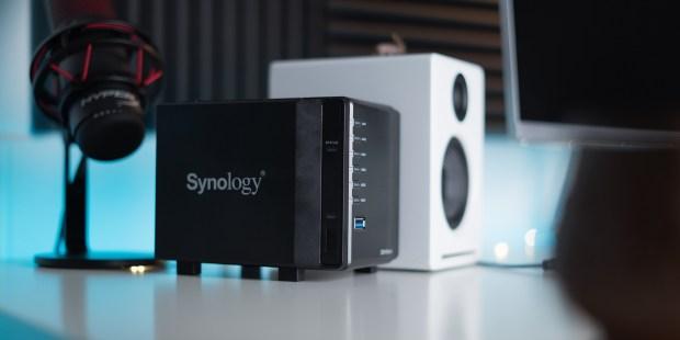 Synology DS419slim on desk