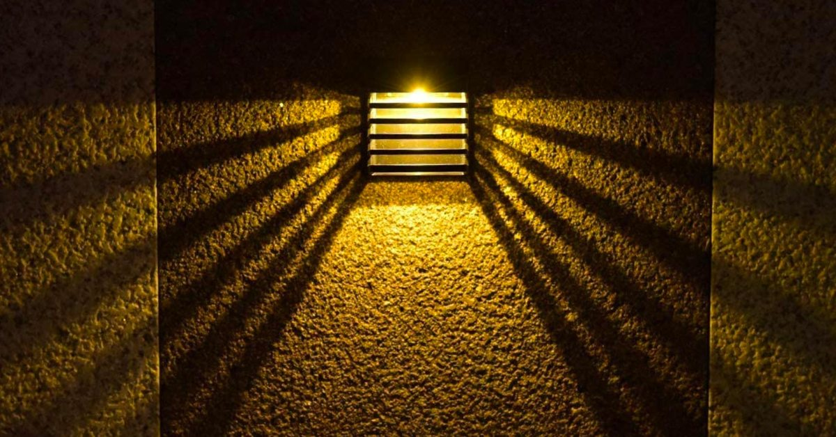 LITOM's 8-pack of solar LED fence lights is down to just $3 each - 9to5Toys