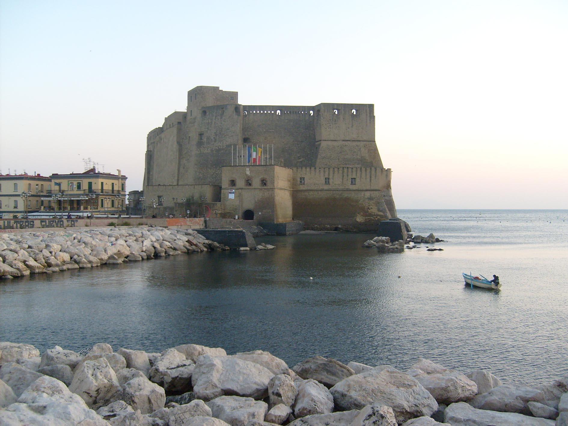 Maggio dei monumenti i castelli di Napoli  9travels