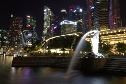 Singapore Merlion at night