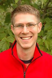 Jeff Adams, of the Washington Sea Grant division of the University of Washington, delivers the lunchtime talk.