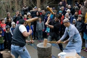 Pounding the sweet rice into mochi (Photo Credit: BI Japanese American Community)
