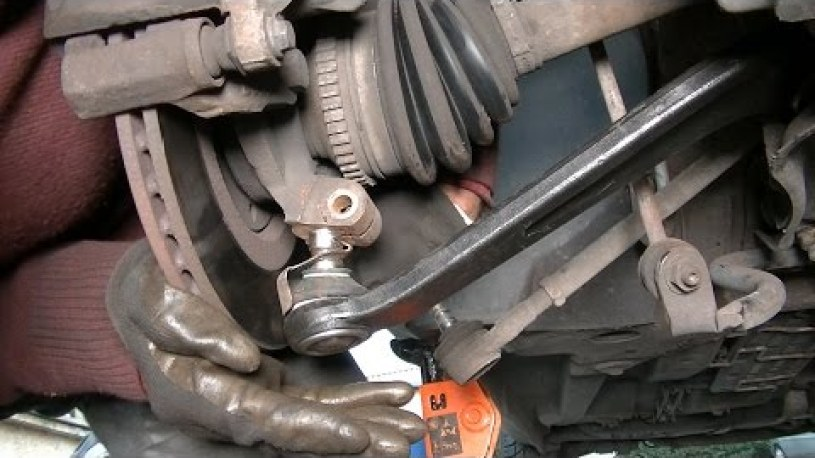 Front suspension lower arm replacement