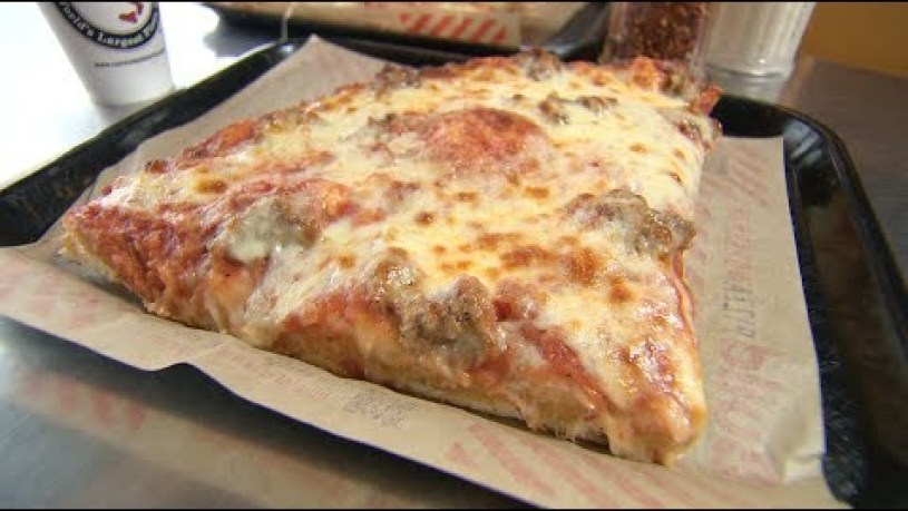 Chicago's Best Pizza: Nonna's Pizza
