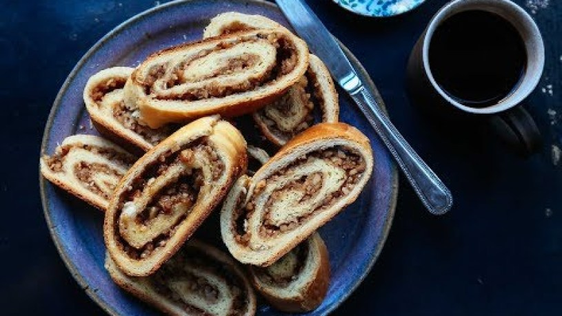 How to Make a Pittsburgh-Style Nut Roll