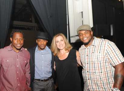 NBC5's Peggy Kazinski with Chicago Bears' Rashid David, Adrian Peterson & Jason McKie