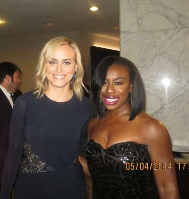 Taylor Schilling (l) and Uzo Aduba (r) (both. Orange is the New Black)