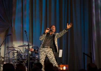 "Tony® and GRAMMY® Award-winning singer, composer, actor, playwright and director Billy Porter performing at the Goodman Theatre ""Sequins and Soul"" Gala (May 20, 2017) 