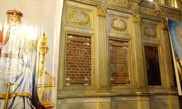 حكايات   الكرسي البابوي يزينها .. أقدم كنيسة في أفريقيا على أرض الإسكندرية «بالصور»